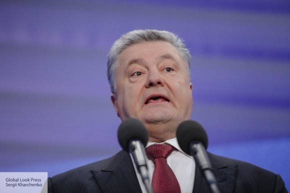 Сигналит, а его не слышат: Порошенко заявил о сближении с НАТО и разрыве с РФ