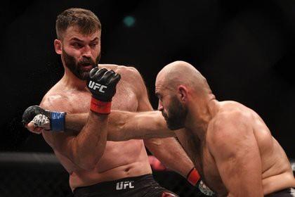 Белорусский боец UFC вышел на бой под гимн СССР