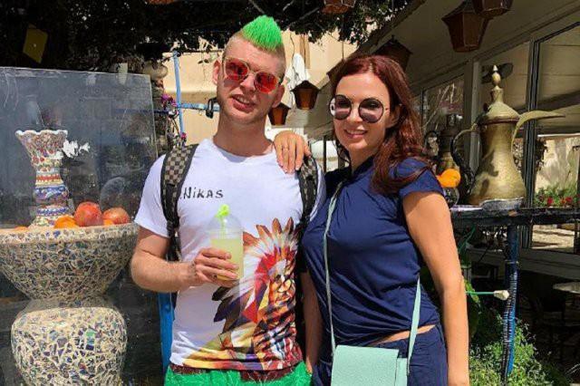 Эвелина Блёданс показала редкое фото со старшим сыном