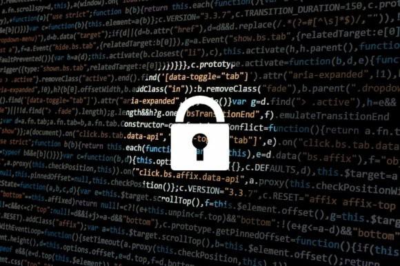 Hiil: Facebook может стать оружием разведки
