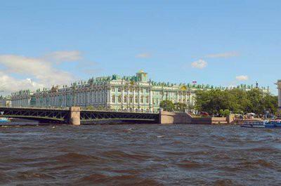 В Петербурге из-за сильного дождя подтоплены пирсы и причалы