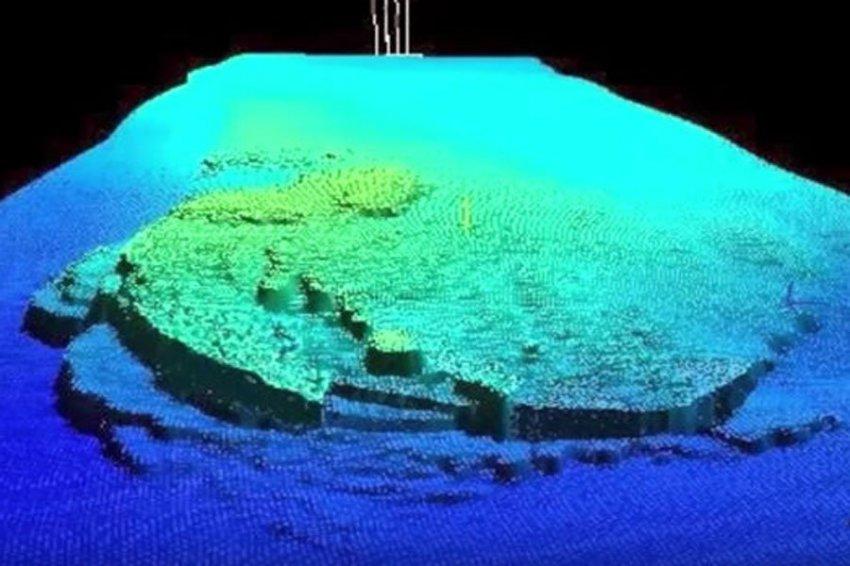Дайверы обнаружили на дне моря НЛО