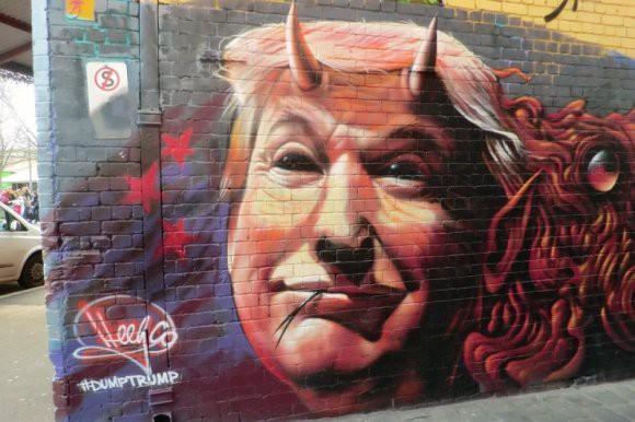 Трамп, трап и туалетная бумага: эксперт рассказал, как из президента США делают посмешище