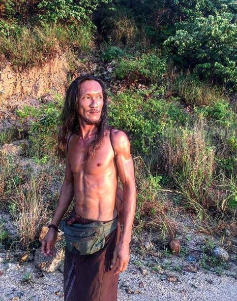 Пещерный человек заманил российскую туристку в свое жилище