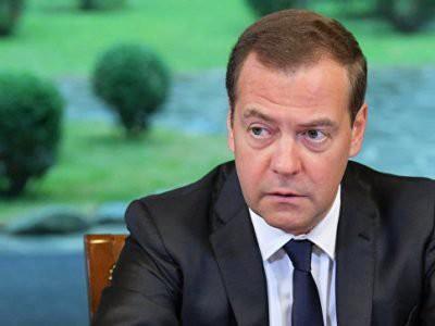 Медведев повысил субсидии нефтяникам