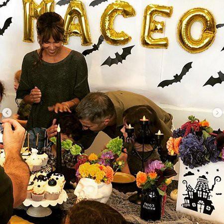 """Холли Берри и Оливье Мартинес воссоединились и устроили пятилетнему сыну """"жуткий"""" день рождения"""