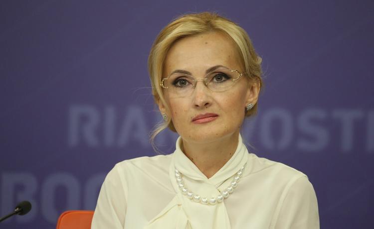 Россияне могут столкнуться с дефицитом продуктов в выходные дни из-за законопроекта Яровой