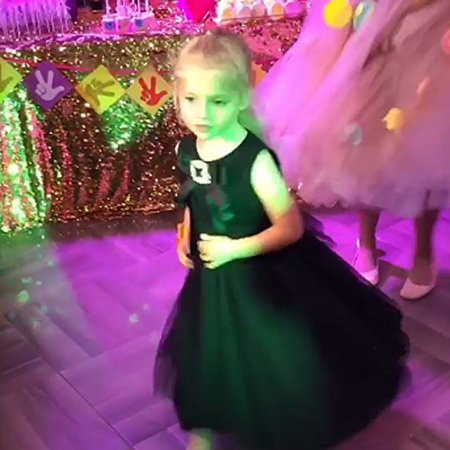 Лиза Галкина покорила своим танцем всех на дне рождения дочери Игоря Николаева: видео