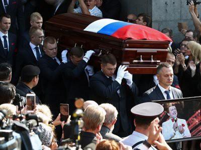 Вдова Кобзона поблагодарила его за все на 40-ый день после смерти мужа