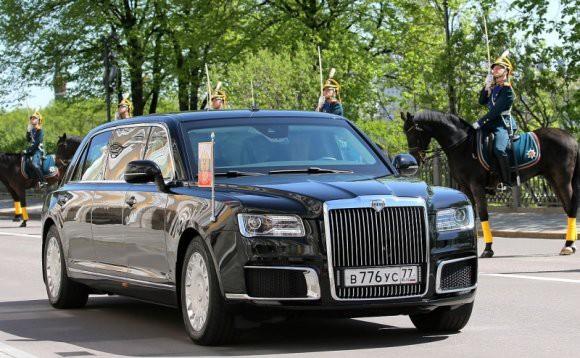 Немцы увидели в «Аурус» конкурента «Мерседес»: Die Welt восхитилось новыми русскими авто
