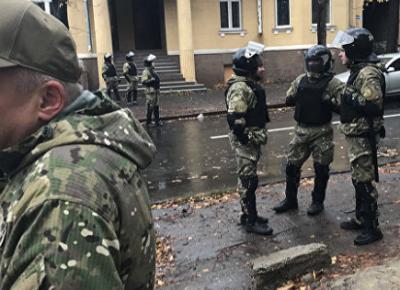 В Киеве задержали мужчину, облившего журналистку Newsone кефиром
