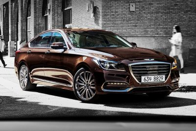 Названы самые дешевеющие автомобили в России