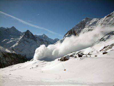 В Гималаях в результате схода лавины погибли девять альпинистов