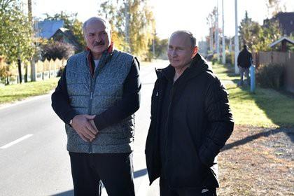 Лукашенко накормил Путина драниками