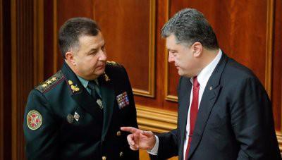 Порошенко принял рапорт Полторака об уходе с воинской службы