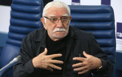 Армена Джигарханяна экстренно госпитализировали