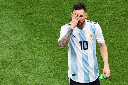 Марадона потерял веру в Месси