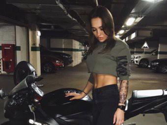 Известная мотоблогер Ольга Петров погибла в ДТП в Москве
