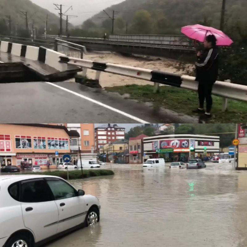 Наводнение в Туапсе 27 октября 2018 года. В Туапсе в связи с наводнением введен режим чрезвычайной ситуации.