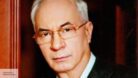 Азаров рассказал, кто попадет под санкции России
