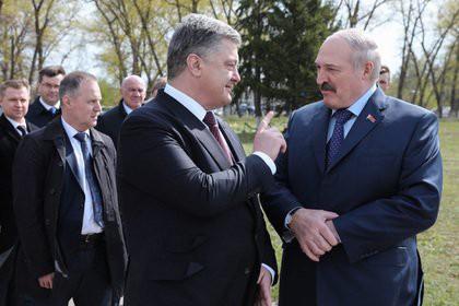 Порошенко нарушил протокол и ответил Лукашенко