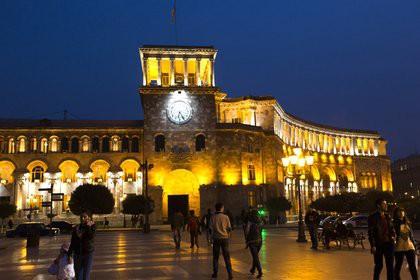 Житель Армении попытался взорвать себя в здании правительства и погасить долги