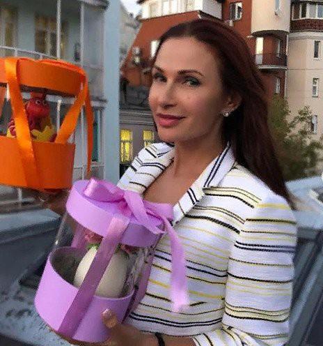 Беременная Эвелина Бледанс попала в больницу