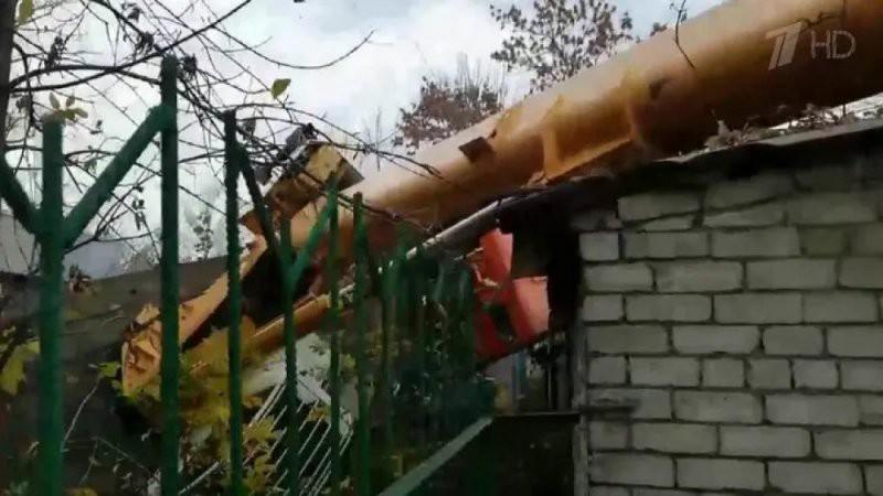 В Нижнем Новгороде кран упал на детский сад — подробности, фото, видео,