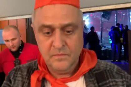 Украинский депутат вызвал полицию на дискотеку из-за пионерских галстуков