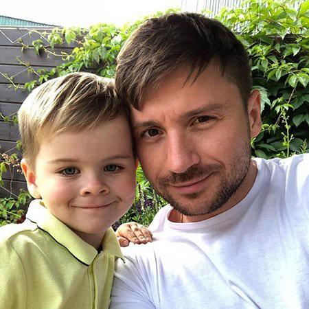 Сергей Лазарев поделился нежным снимком своего четырехлетнего сына и рассказал о его новом увлечении