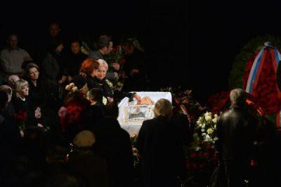 Вдова Николая Караченцова Людмила Поргина веселилась на поминках и кричала «гип-гип-ура!»