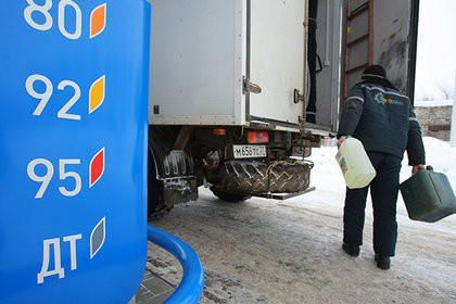 На российских АЗС пропал дизель