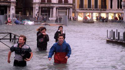 Италия ушла под воду: 75 процентов Венеции затоплено, погибли 9 человек