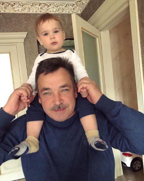 Алина Гросу опубликовала фото своих любимых мужчин