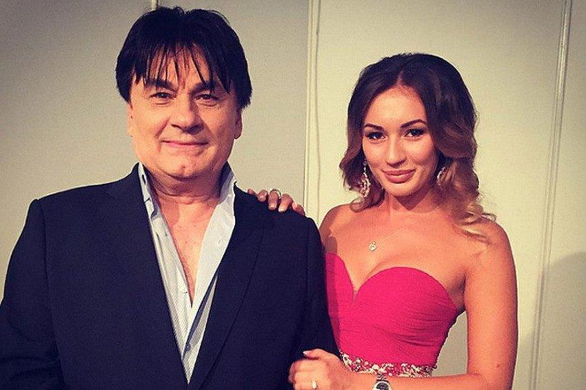 Александр Серов готовится к свадьбе дочери
