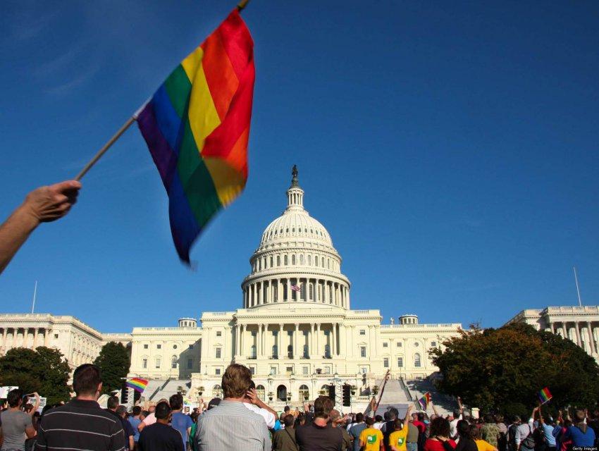 Гей-сообщества поработили США
