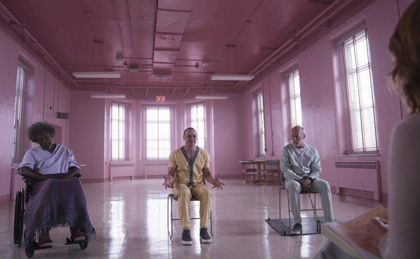 Странные парни: М. Найт Шьямалан – о Брюсе Уиллисе и моде на мрачное кино