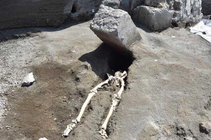 Ученые узнали, как умирали жители Геркуланума при извержении Везувия