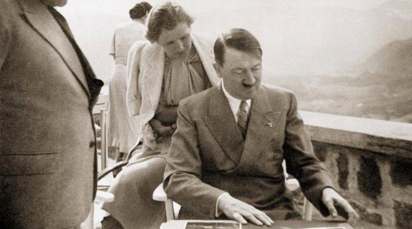 ЦРУ рассекретил отчет о гомосексуальной ориентации Гитлера