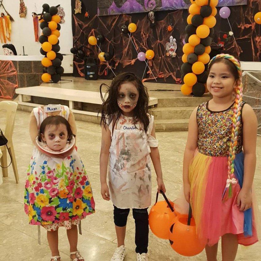Двухлетняя девочка пришла на Хэллоуин без головы и испугала соседей