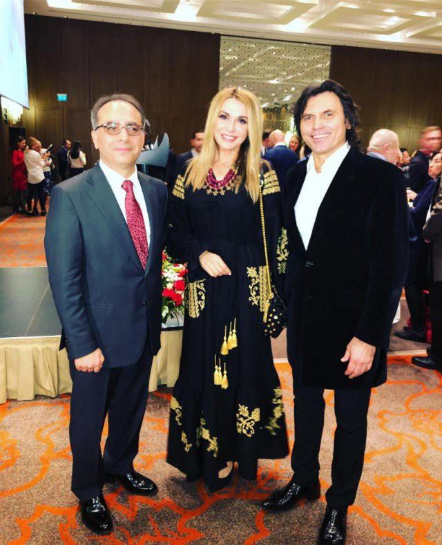 Ольга Сумская вышла в свет в роскошном национальном наряде
