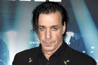 Лидеру рок-группы Rammstein подарили бюст Ленина
