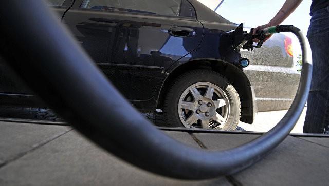Нефтяники снизили цены на топливо