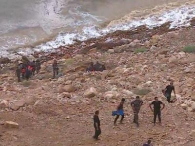 Мертвое море поглотило автобус с детьми