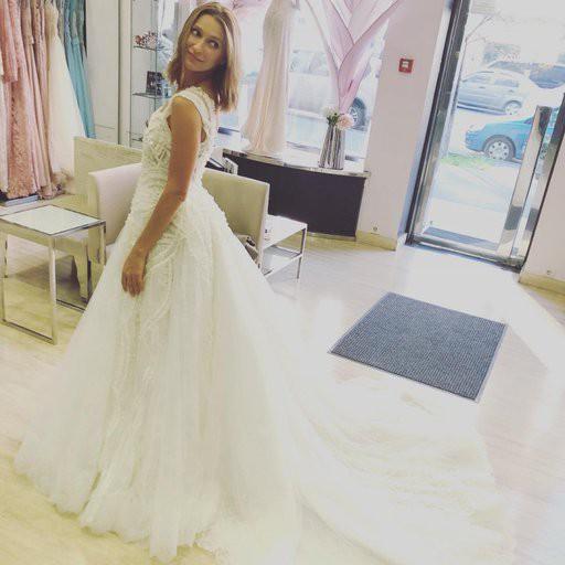 Tayanna заинтриговала снимком в свадебном платье