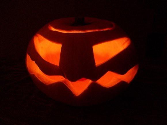 Костюм на Хеллоуин: британец оделся убийцей журналиста Хашогги