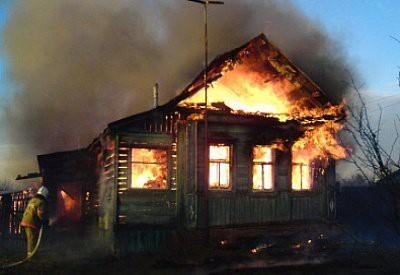В Самарской области при пожаре в частном доме погибли трое детей