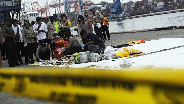 Получены данные черного ящика упавшего в Индонезии Boeing | Свежие новости