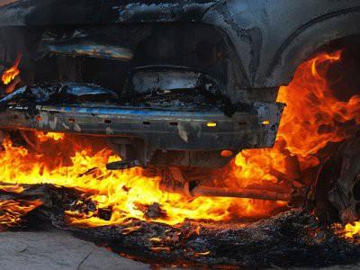 В Тель-Авиве два человека погибли при взрыве автомобиля