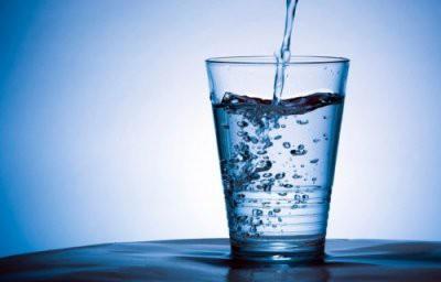 Ученые рассказали, почему некоторые люди не хотят пить воду